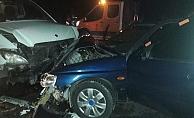 Akseki'de iki araç kafa kafaya çarpıştı: 4 yaralı