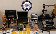 Banka ve kredi kartı dolandırıcıları polisten kaçamadı