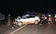 Otomobille kamyon çarpıştı: 3 ölü, 1 yaralı