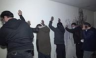 Kısıtlamada uyuşturucu partisine polis baskını