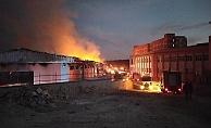Lojistik deposunda yangın paniği