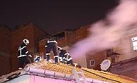 Müstakil evdeki baca yangını paniğe neden oldu