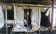 Odun sobasından çıkan yangın evi kül etti