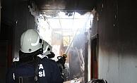 Gazipaşa'da çamaşır makinesinden çıkan yangın, evi küle döndürdü