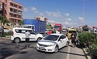 Alanya'da 7 araçlı zincirleme kazada ortalık savaş alanına döndü