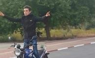 Motosikletiyle aydınlatma direğine çarpıp savrulan genç feci şekilde can verdi