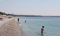 Plaj normalleşme öncesi son kez turistlere kaldı