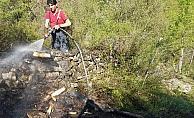 Yakılan ateş az daha ormanı yakıyordu
