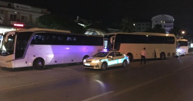 Tur otobüslerine  gece yarısı baskını