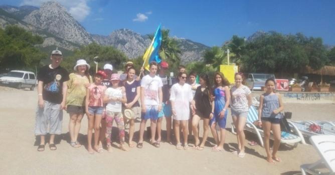 Ukraynalı şehit çocukları  Antalya'da tatil yapacak