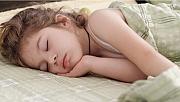 Çocuklar uyurken neden sürekli üzerini açar?