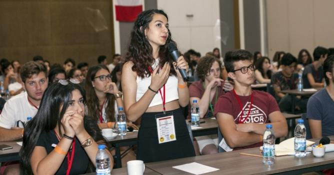 Yurtdışında eğitime gidecek  başarılı öğrenciler Antalya'da