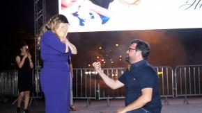 Alanya'da film öncesi sürpriz evlilik teklifi