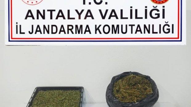 Alanya'da uyuşturucu ticareti yapılan eve baskın