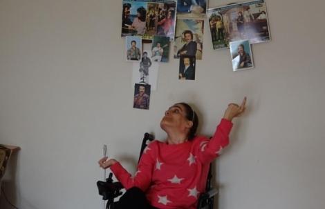 Alanya'da 46 yıllık Orhan Gencebay hayranlığı engel tanımadı