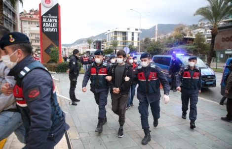 Alanya'da 'Dalgakıran' operasyonunda tutuklu sayısı 49'a yükseldi