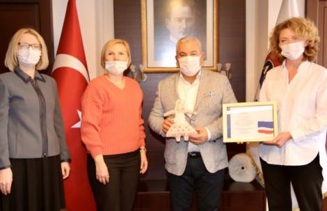 Yerleşik Ruslar'dan Başkan Şahin'e teşekkür